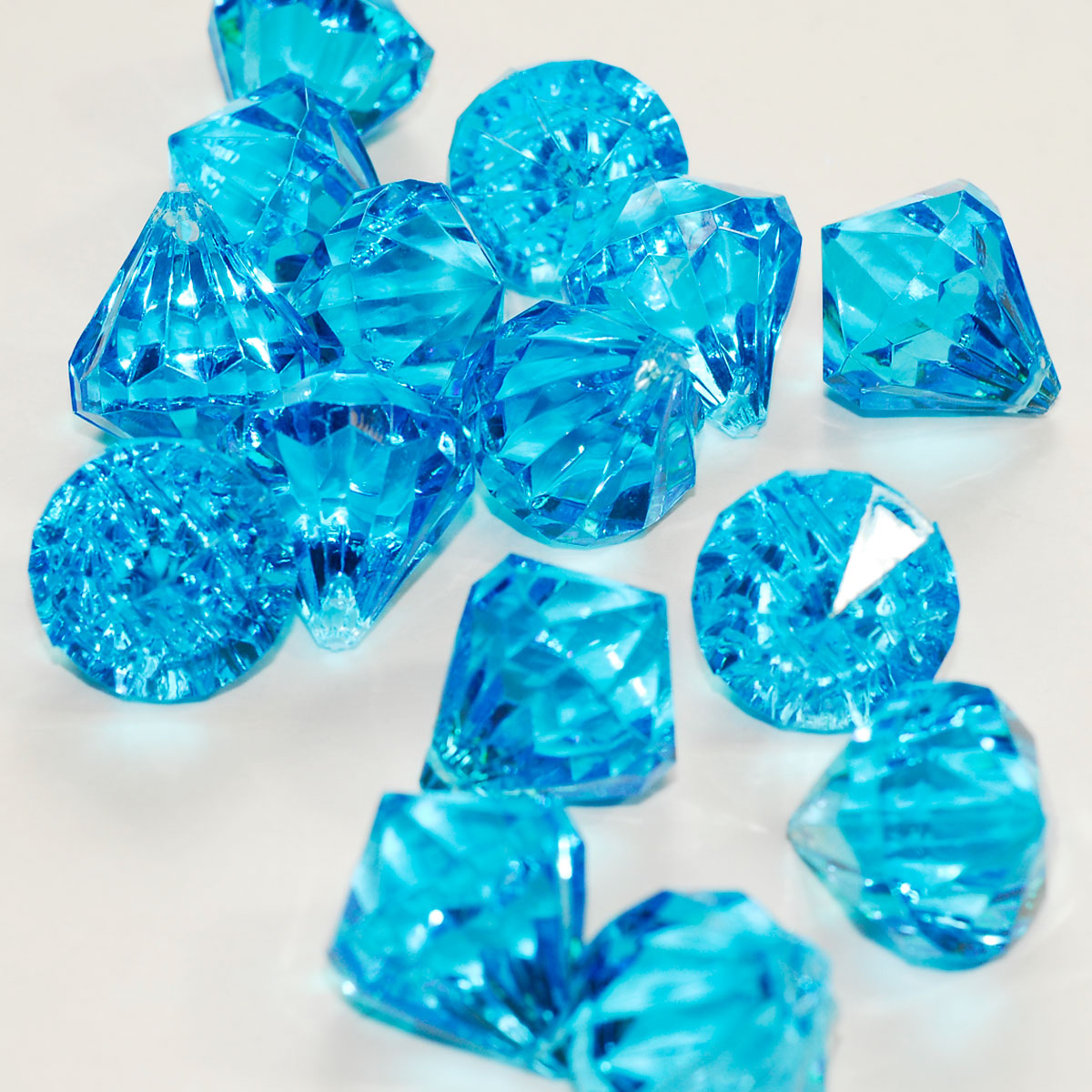 20k acrylic diamond wedding scatter vase filler pendant - Objet deco bleu turquoise ...