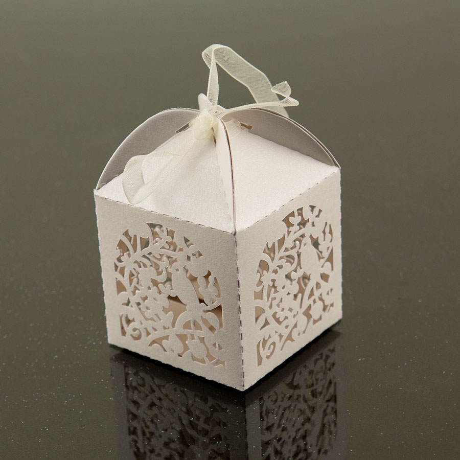 Cute Outdoor Wedding Ideas: White Cute Garden Bird Favor Candy Box Party Wedding